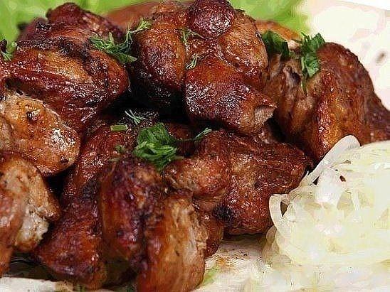 Мясо в духовке: мягкое, сочное и очень нежное.