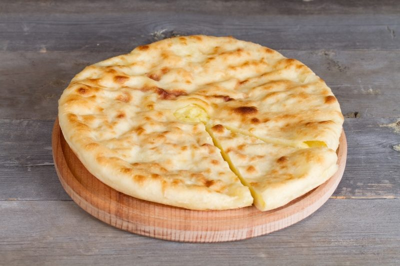 ossetian-pie-with-homemade-cheese-and-potatoes