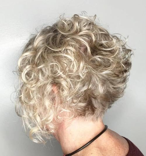 19-short-curly-blonde-bob-1