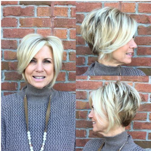 19-short-layered-blonde-bob-1