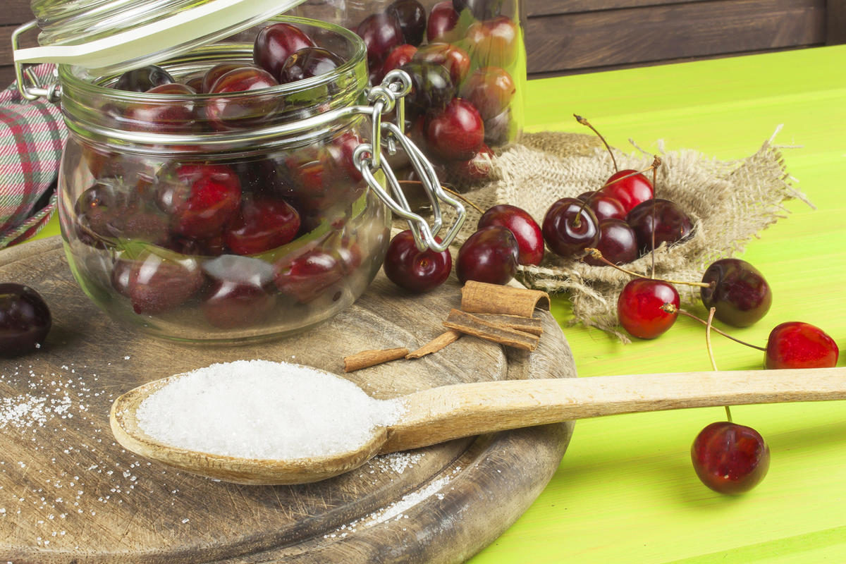 domestic-production-of-cherry-jam