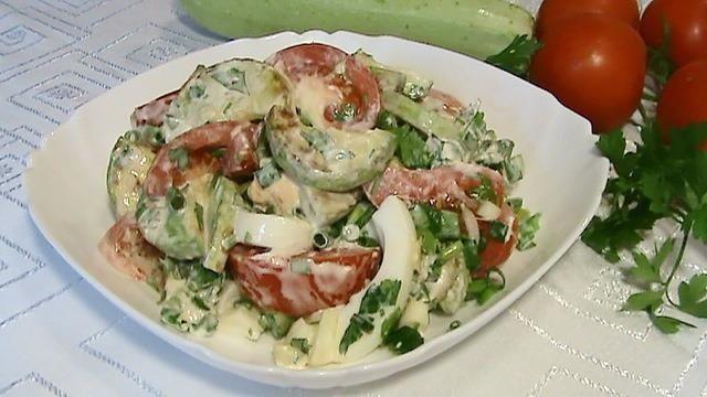 salat-s-jarennimi-kabacikami1