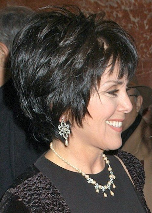 short-hairstyle-for-women-over-50-years-old-1